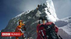 """La montaña más alta del mundo plantea nuevos peligros para los escaladores, después del colapso del Escalón de Hillary, una pared rocosa clave. El montañista Tim Mosedale dijo que la pérdida de la estructura rocosa era """"el final de una era""""."""