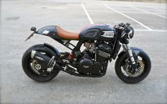 1995 Triumph Speed Triple Mk1 cafe racer. Found my next cafe project!