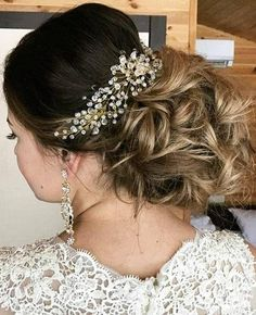 Bridal Hair Comb, Crystal Hair Comb, Wedding Hair Piece, Wedding Headpiece, Bridal Hairpiece, Wedding Comb, Gifts For Her, Boho Wedding  Need a little something to go in your stunning bridal hair? Meet our beautiful crystals hair comb will bring elegance to any occasion. Or just a