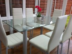 Actona Glass Dining Table with 4 Designer Z Chairs in White Faux