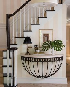 Stunning Deco inspired entry feature....x