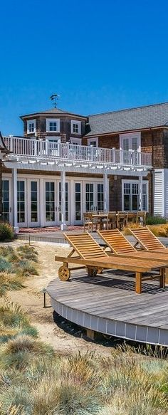 Beachfront in SantaBarbara. Can't go wrong with Teak chaises to relax on by the water Places Around The World, Oh The Places You'll Go, Luxury Living, Coastal Living, Santa Barbara Hotels, Beautiful Space, Beautiful Things, House By The Sea, Destin Beach