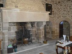 https://www.patrice-besse.co.uk/France-mansions-for-sale/brittany/cote-armor-16th-century-outbuildings/