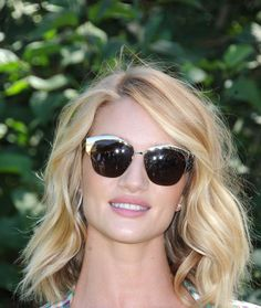 Rosie Huntington-Whiteley just wore the perfect All White Everything summer outfit