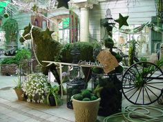 Really neat moss horse garden store display! Amazing!