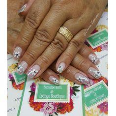 Conócenos, síguenos, compártenos... f/ Sunshine Nails & Lounge Boutique @Diana Leemoon #Uñas #UñasAcrílicas #Nails Flores #NailArt #DianaLeemoon
