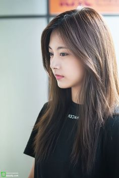 Your number one Asian Entertainment community forum! Korean Beauty, Asian Beauty, Nayeon, Twice Tzuyu, Sana Momo, Cute Korean Girl, Dahyun, Beautiful Asian Girls, Asian Woman