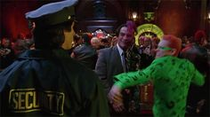 """Tommy Lee Jones Couldn't Stand Working With Jim Carrey On """"Batman Forever"""" And It's A Genuinely Insane Story"""