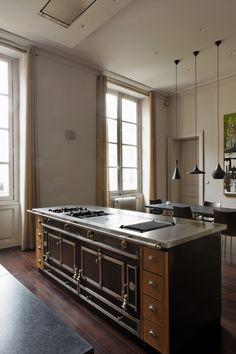 Prenez une dose d'inspiration pour l'aménagement de votre cuisine en consultant les photos de la Galerie La Cornue. Plus de photos à découvrir sur Pinterest.