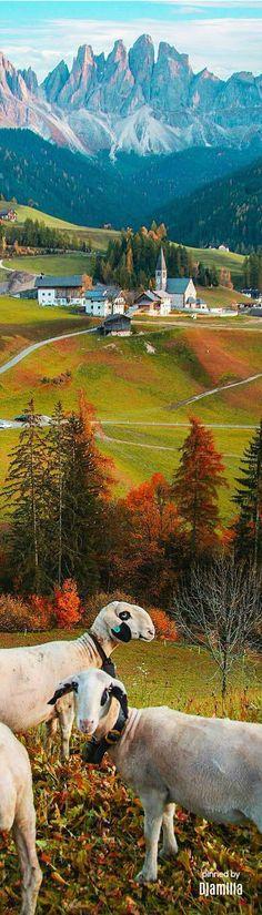 Dolomite valley of Villnöss