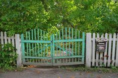 Vihreä portti   A green gate