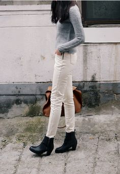 White jeans offer a great alternative to blue denim. To keep them looking bright, treat spots with a bleach pen and then throw in the washer with a scoop of Oxyclean. In-person or virtual Presenting Your Best You style sessions available. www.meredethmcmahon.com #imageconsulting #personalbranding