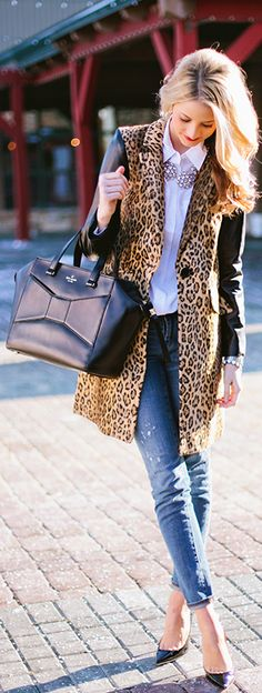 Leopard coat with leather sleeves - winter street style - Love by Ivory Lane Fashion Mode, Look Fashion, Womens Fashion, Fashion Trends, Fashion Design, Fashion Photo, Street Fashion, Style Désinvolte Chic, Style Me