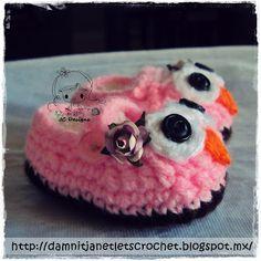 Free Pattern damn it Janet, lets crochet!: Baby Owl Booties