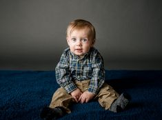 blue eyed 6 month old baby boy sitting up on blue rug Baby Kids, Baby Boy, Wanting A Baby, 6 Month Old Baby, Happy Photos, Baby Planning, Chubby Cheeks, First Photograph, 6 Month Olds