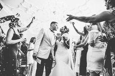 Wedding Shot List: Couple Photos to Last a Lifetime | http://www.bridestory.com/blog/wedding-shot-list-couple-photos-to-last-a-lifetime