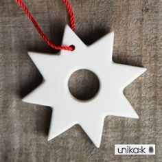 Mark Lauberg - Keramik håndlavet julepynt, Stjerne med hul ophæng, hvid
