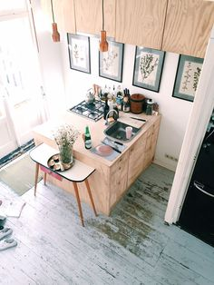 What a marvellous space, a compact kitchen with great design and balance in…