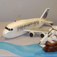 Airplane cake OMG it looks like a toy!