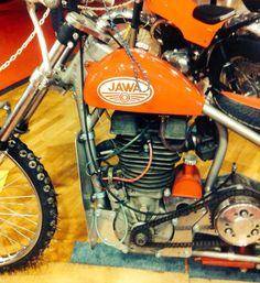 Jawa Vintage Motorcycles, Cars Motorcycles, Brat Cafe, Art Of Man, Motorcycle Engine, Scrambler, Scooters, Bonsai, Motorbikes