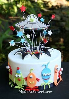I like this Alien Cake tutorial for two reasons---number one, cute aliens! Number two, you'll get to learn the 'exploding cake' technique! Fondant Cakes, Cupcake Cakes, Aliens, Alien Cake, Alien Cupcakes, First Birthday Cakes, Sons Birthday, Love Cake, Cute Cakes