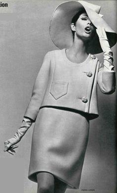 Pierre Cardin, 1966
