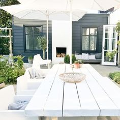 """1,241 Likes, 54 Comments - wobke van der wardt (@studio.ww) on Instagram: """"Deze tafel kwam ooit voor buiten...waar hij vervolgens nooit heeft gestaan ;-) nu dus wel #garden…"""""""