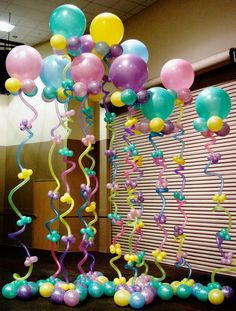 Balloon column.  #balloon-column #balloon-decor http://www.abovetheresteventdesigns.com/wp-content/uploads/funafloat-1.jpg