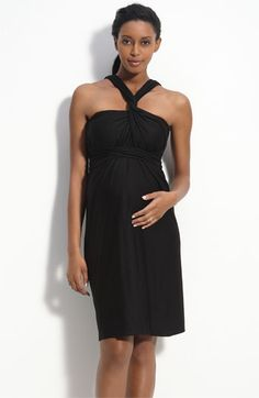 looking for comfy maternity dresses to wear this summer.