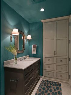 Contemporary Powder Room Small Bathroom Design, Pictures, Remodel, Decor and Ideas - page 27 Half Bathroom Decor, Bathroom Colors, Teal Bathroom, Small Bathroom Decor, Teal Walls, Trendy Bathroom, Bathroom Makeover, Teal Baths, Mold In Bathroom