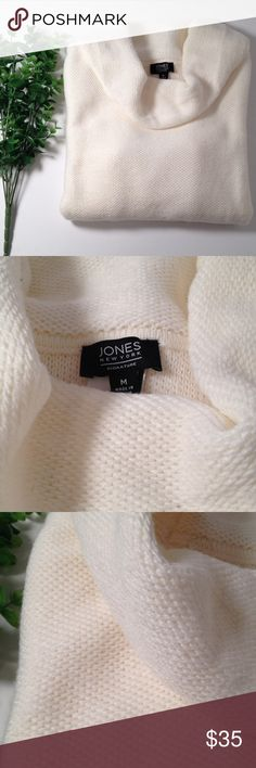 💐A Glimpse of Spring💐 Jones New York Sweater 💐A Glimpse of Spring💐 Jones New York Sweater in eggshell size M. Features and kangaroo pocket on the front and it's a cozy sweater. Composition is 100% acrylic. New without tags and in perfect condition! Jones New York Sweaters Cowl & Turtlenecks