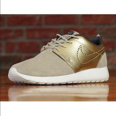 Nike Roshe One Premium Suede Gold