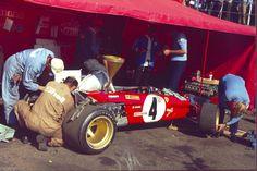 Ferrari 312B2 - Ferrari 001 2,992 cc (182.6 cu in), Flat-12, naturally aspirated, mid-engine, longitudinally mounted1971 British Grand Prix, Silverstone Circuit