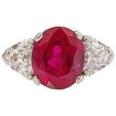 Raymond Yard Beautiful Ruby Diamond Platinum Ring