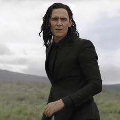 Marvel Films, Loki Thor, Tom Hiddleston Loki, Loki Laufeyson, Marvel Avengers, Loki Ragnarok, Loki Aesthetic, Loki God Of Mischief, Man Thing Marvel