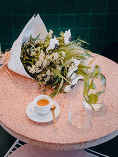 De Paris à Los Angeles en passant par Bruxelles, petit tour du monde d'adresses fleuries…| Lire la suite sur le Journal de Merci, merci-merci.com | Peonies Paris, 81, rue du Faubourg Saint-Denis, 75010 Paris.