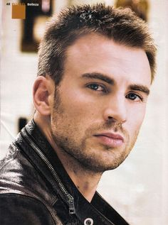 Chris Evans / Captain America / The Avengers Capitan America Chris Evans, Chris Evans Captain America, Capt America, Bart Styles, Pretty People, Beautiful People, Eye Candy, Actrices Sexy, Hommes Sexy