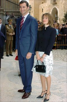 Queen Rania, Queen Letizia, Queen Victoria Prince Albert, Estilo Real, Spanish Royal Family, Laetitia, Professional Wardrobe, First Lady Melania Trump, Save The Queen