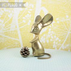 VINTAGE // brass mouse // paperweight // ornament