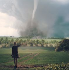 What if Dorothy could control tornados? Story Inspiration, Writing Inspiration, Character Inspiration, Spider Gwen, Lorien Legacies, Super Heroine, Teresa, The Ancient Magus Bride, Fantasy