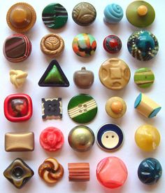 30 Vintage Smaller Colourful Art Deco Celluloid Buttons