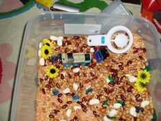 sensory bin / sensory tub with beans and ideas