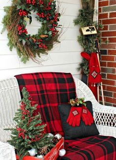 25-Tartan-Decor-Ideas-You-Must-Try-This-Christmas-23.