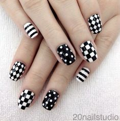 Black-and-White-Nails-Designs-13.jpg 600×604 pixels