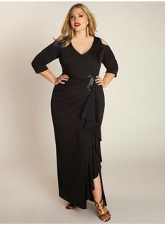 Dresses Plus size dresses that flatter the fuller figure: black prom dresses long plus size. We've got everything for all the beautiful curvy ladies out Plus Size Black Dresses, Plus Size Gowns, Evening Dresses Plus Size, Black Prom Dresses, Plus Size Outfits, Dress Black, Bridesmaid Dresses With Sleeves, Bridesmaid Dresses Plus Size, Bridesmaid Ideas