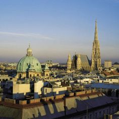Top 10 European Summer Destinations with Flea Markets update) Places Around The World, Oh The Places You'll Go, Places To Travel, Places To Visit, Travel Destinations, Budapest, Protection Juridique, Historia Natural, European Summer