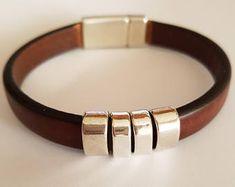 Pulsera Infinito / Cuero regaliz x 3 / Zamak plateado Bracelets For Men, Fashion Bracelets, Leather Bracelets, Stainless Steel Bracelet, Copper Bracelet, Braided Leather, Bracelet Designs, Leather Men, Pink Leather