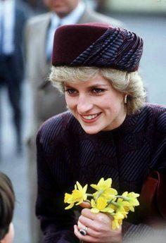 January 29, 1986: Princess Diana visiting Carlisle, Cumbria where she received the Freedom of the City of Carlisle.