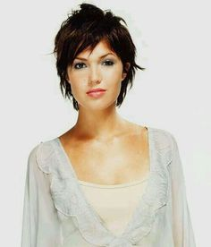 We search for you 25 Pixie Cut Ideas. Curly pixies, long pixie hair, or fine hair pixie cuts are really great style for you. Short Shaggy Haircuts, Shaggy Short Hair, Funky Short Hair, Long Pixie Hairstyles, Short Hair With Layers, Short Hair Cuts For Women, Pixie Haircut, School Hairstyles, Shaggy Pixie Cuts