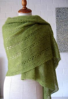 """Granny Smith"" wrap- Free Knitting Pattern by Maanel. Knit Or Crochet, Lace Knitting, Crochet Shawl, Knitting Stitches, Knitting Scarves, Knit Shrug, Knitting Accessories, Knitted Shawls, Knitting Patterns"